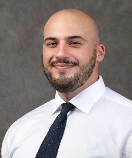 portrait of PGY1 Armen Fstkchian, PharmD